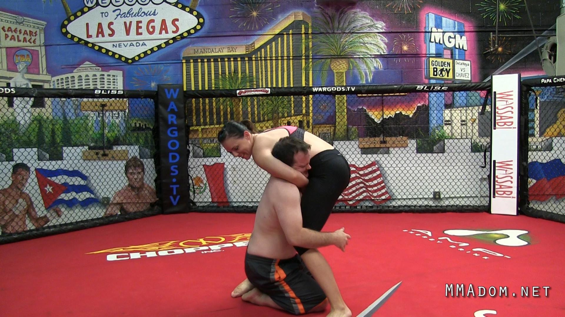 scarlett_devine_mixed_wrestling.Still004
