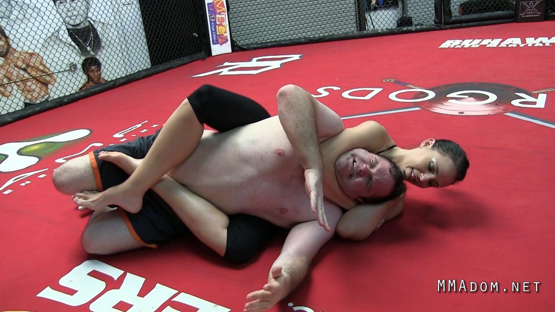scarlett_devine_mixed_wrestling.Still023
