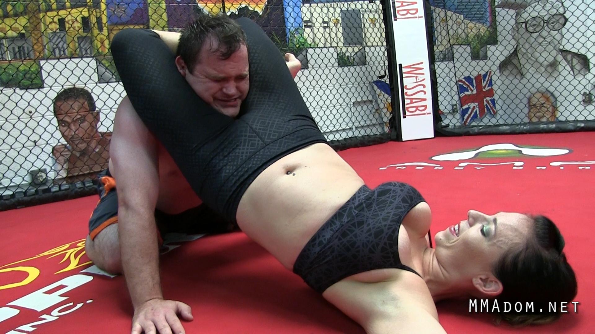 scarlett_devine_mixed_wrestling.Still029